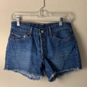 LEVI 501 cutoff shorts 26